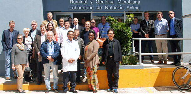 Delegados de la Global Research Alliance on Agricultural on Greenhouse Gases visitaron el Laboratorio de Microbiología Ruminal del Colegio de Postgraduados